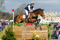 ANGUS SMALES  RIDING  MASTER CRISP
